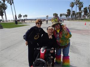 VERONICA CASTRO MEXICAN ACTRESS, WITH HER MOM MARCH 24, 2012 VENICE BEACH
